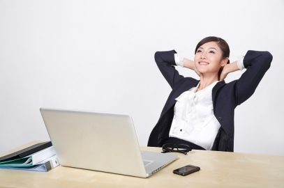 Gối matxa – Bí quyết giúp dân văn phòng thư giãn cơ thể (phần 2)